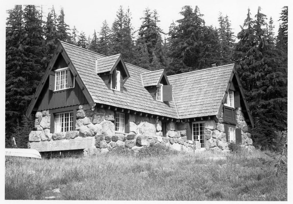 Crater lake superintendent's cabin